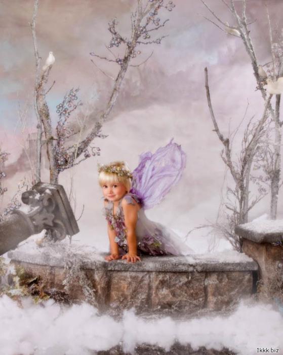 1294188320_childrenwinter-cristmas-9 (559x700, 318Kb)