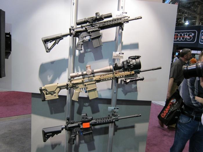 2447247_SHOT_Show_2010_SIG_SAUER_SIG716_Gas_Piston_Op_Rod_Carbine_SBR_Series_11 (700x525, 246Kb)
