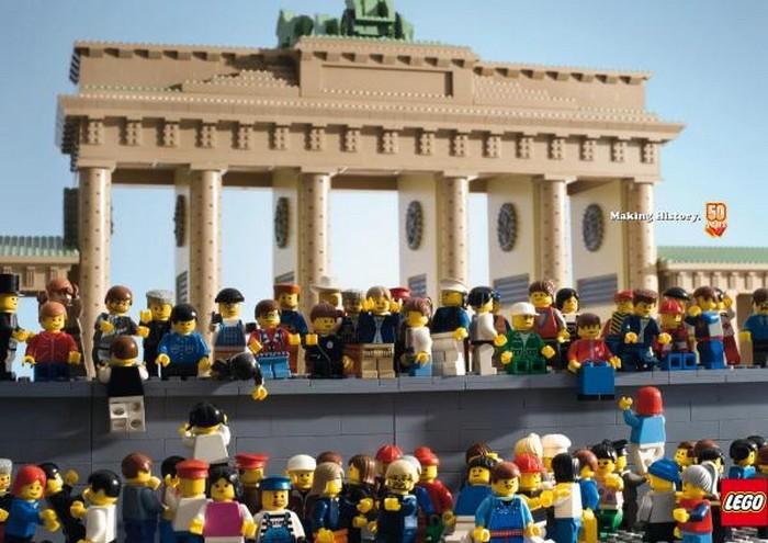 Прикольная реклама конструкторов Lego 1 (700x495, 96Kb)