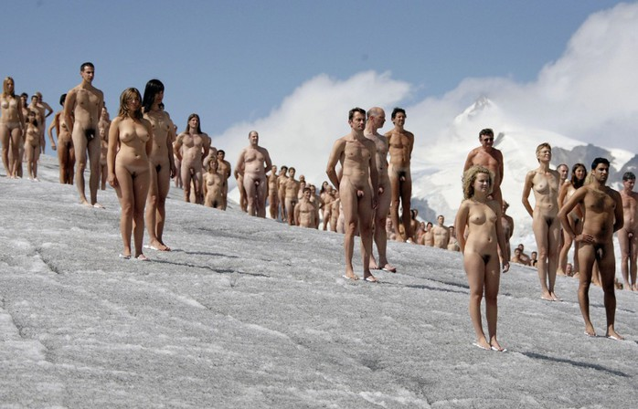 Спенсер Туник фото обнаженных людей 3 (700x448, 88Kb)