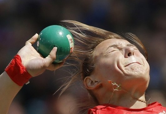 london-olympics-funny-photos-derp-shot-put-faces21 (530x365, 29Kb)