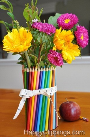 colored-pencil-vase-centerpiece-1 (318x480, 62Kb)