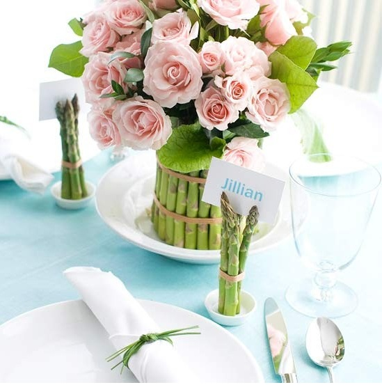 roses-wrapped-asparagus-centerpiece (549x553, 80Kb)