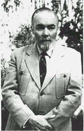 Юрий Николаевич Рерих в 1957-60гг. в Москве. (271x420, 22Kb)