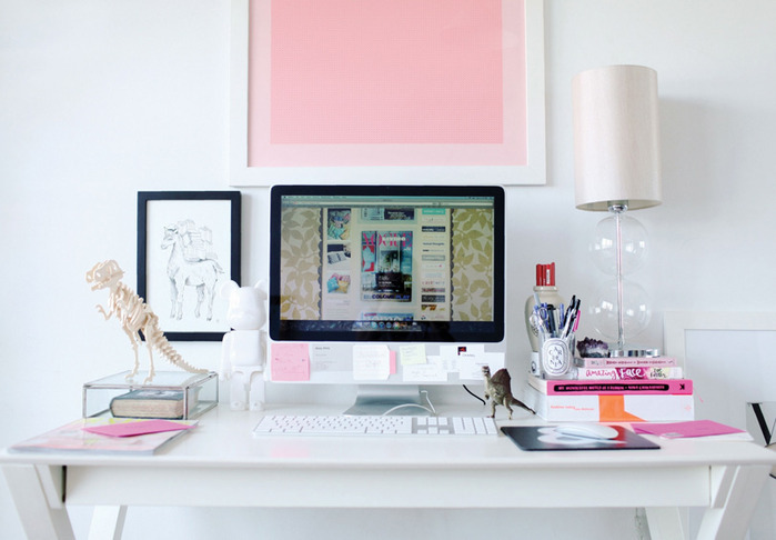 modern-chic-white-pink-home-office-desk-computer (700x486, 75Kb)