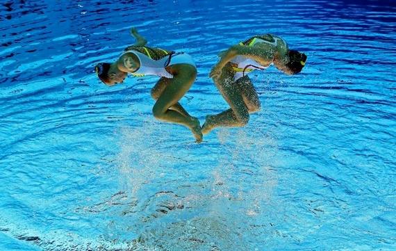 синхронное плаванье 5 (570x361, 205Kb)