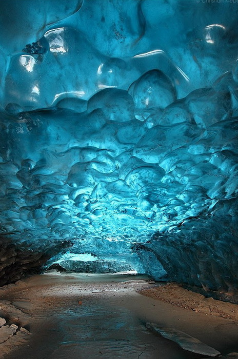 Skaftafell-ice-cave-4 (464x700, 158Kb)
