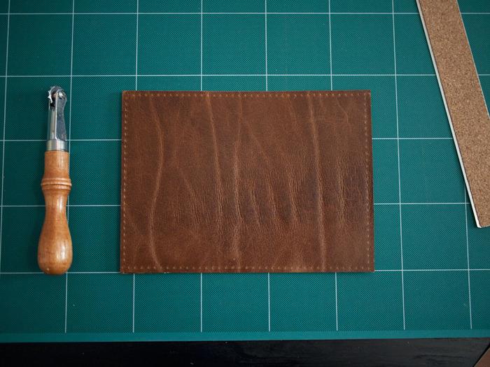 Изготовление обложки для паспорта из натуральной кожи