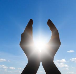 Солнце-в-руках-290x283 (290x283, 11Kb)