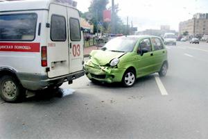 Пьяный водитель создал километровую пробку/4831234_dtpmatiz (300x200, 64Kb)