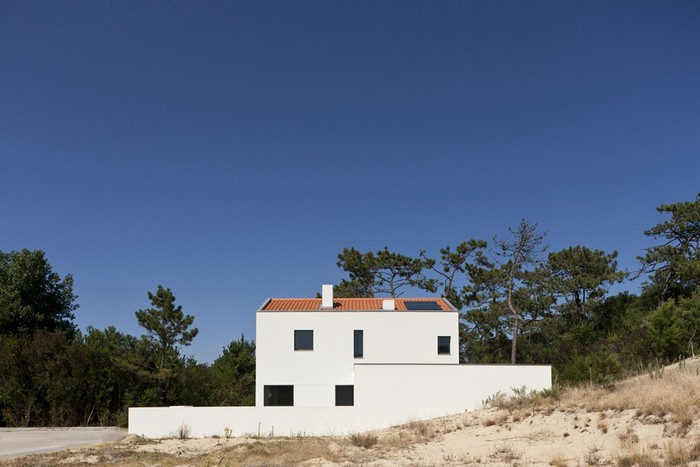 Белый дом архитектора Nuno Silva 1 (700x467, 64Kb)