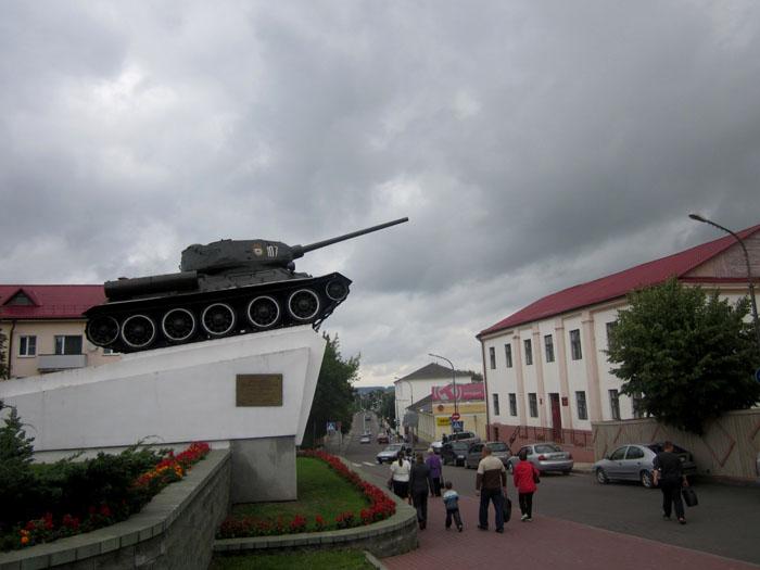 26а Слоним танк (700x525, 85Kb)