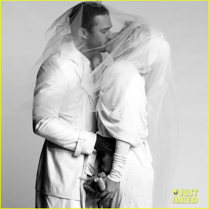 lady-gaga-taylor-kinney-fake-married-in-you-and-i-fashion-video-04 (700x700, 63Kb)