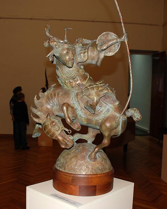 79267960_Lituye_skulpturuy_ot_Dashi_Namdakova_23 (558x699, 82Kb)