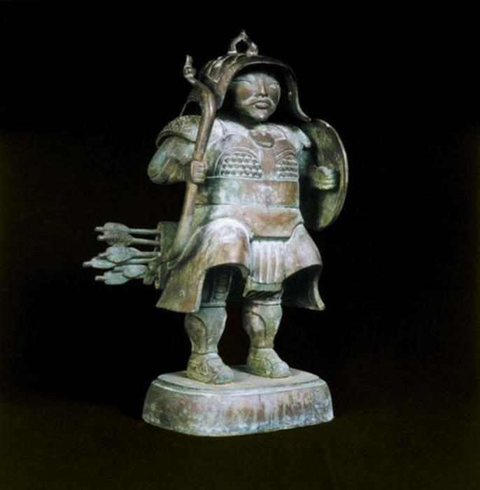79268015_Lituye_skulpturuy_ot_Dashi_Namdakova_71 (686x700, 55Kb)