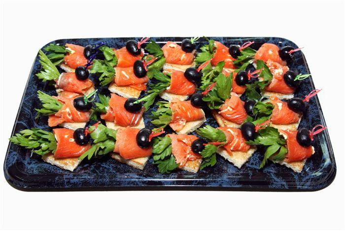 kanape s semgoj na toste s olivkoj 20sht (700x469, 66Kb)