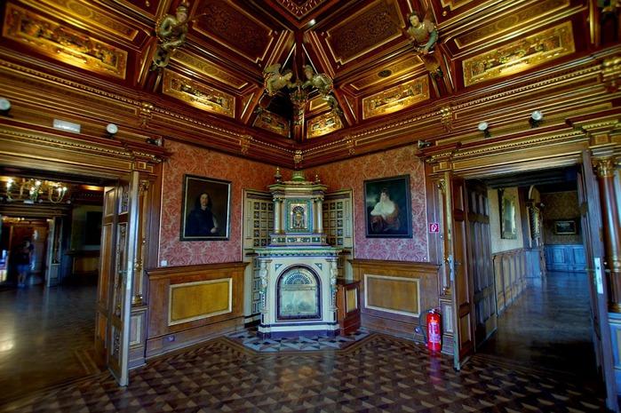 Замок Графенегг - романтичная драгоценность. 24867