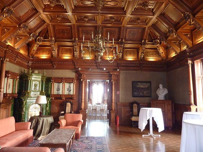 Замок Графенегг - романтичная драгоценность. 98000
