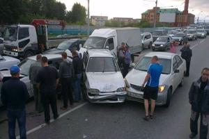 Столкнулись восемь автомобилей/4831234_dtpnovosib (300x200, 69Kb)