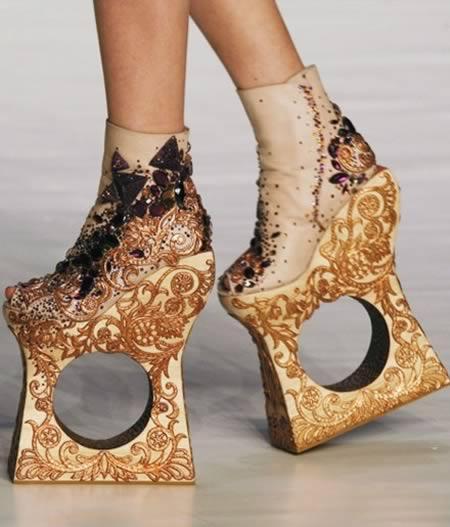 Необычные туфли alexander mcqueen