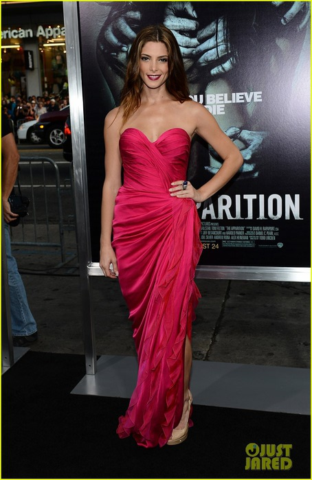 ashley-greene-the-apparition-premiere-01 (454x700, 89Kb)