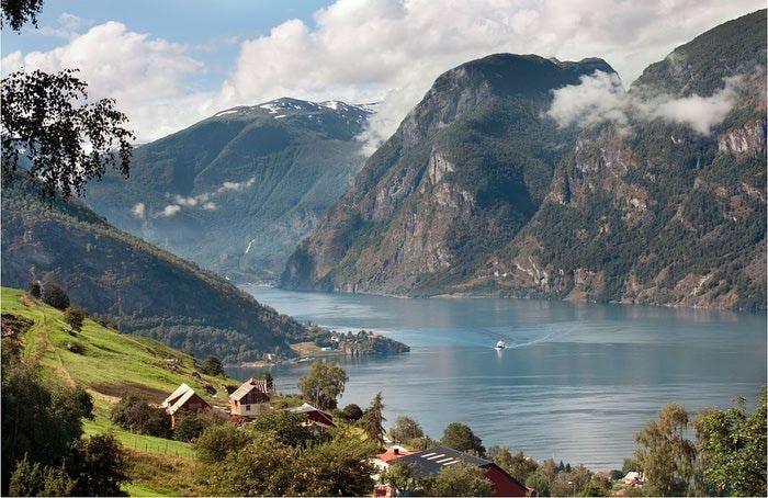 Фьорды Норвегии 05 (700x454, 83Kb)