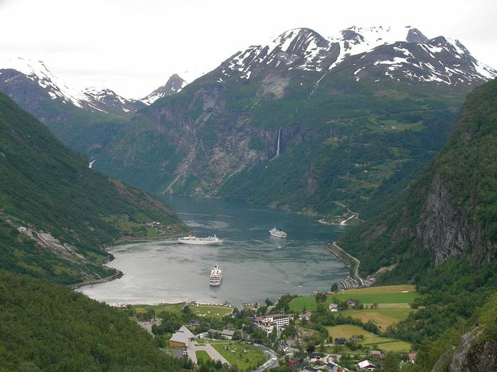 Фьорды Норвегии 09 (700x523, 75Kb)