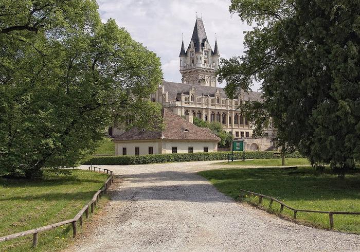 Замок Графенегг - романтичная драгоценность. 74252