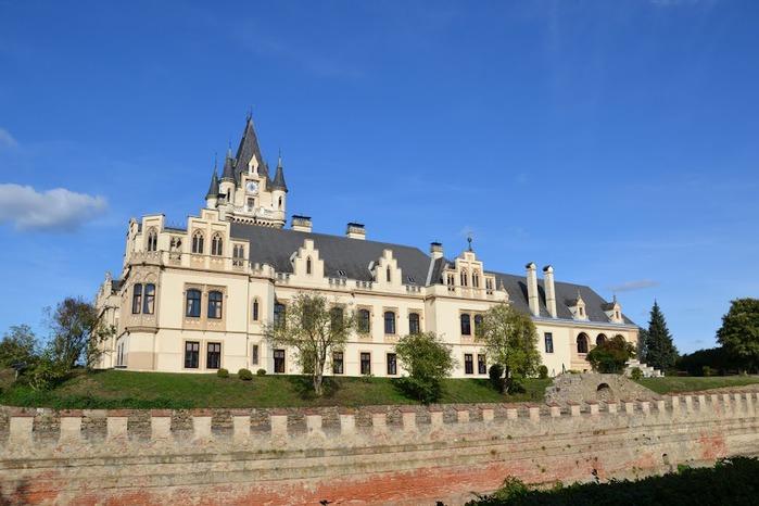 Замок Графенегг - романтичная драгоценность. 13548