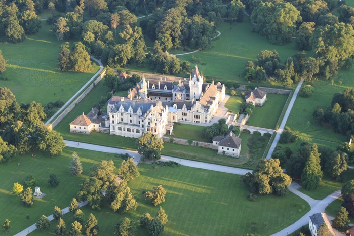 Замок Графенегг - романтичная драгоценность. 78701