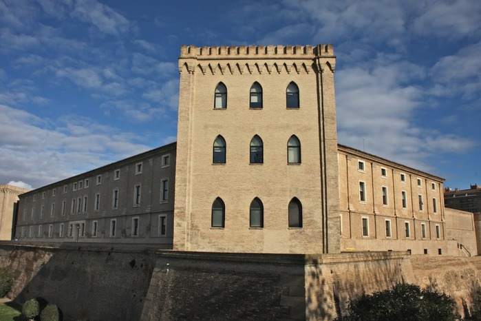 Замок Альхаферия (Castillo de Aljaferia) - жемчужинa испанского исламского наследия 76547