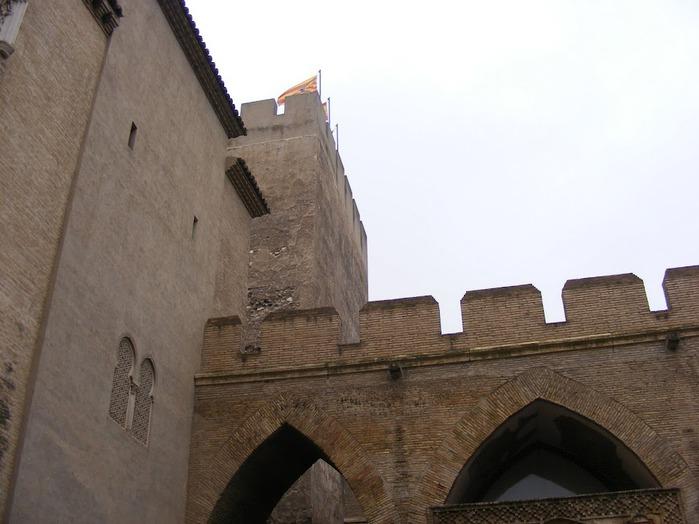 Замок Альхаферия (Castillo de Aljaferia) - жемчужинa испанского исламского наследия 35289