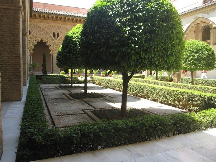 Замок Альхаферия (Castillo de Aljaferia) - жемчужинa испанского исламского наследия 79546