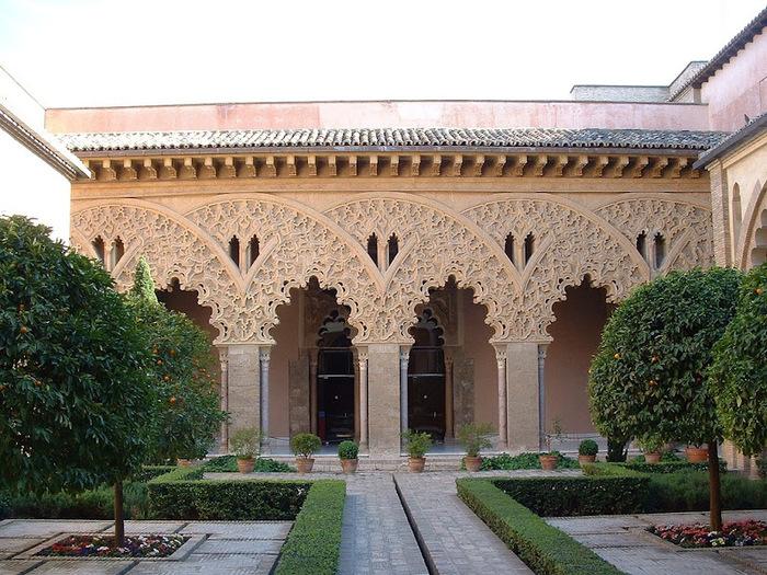 Замок Альхаферия (Castillo de Aljaferia) - жемчужинa испанского исламского наследия 24366