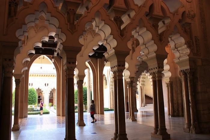 Замок Альхаферия (Castillo de Aljaferia) - жемчужинa испанского исламского наследия 71134