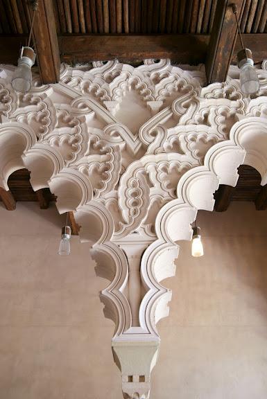 Замок Альхаферия (Castillo de Aljaferia) - жемчужинa испанского исламского наследия 53522
