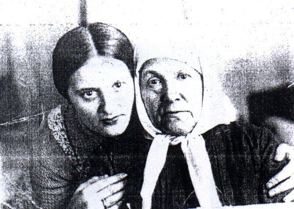 маргарита с бабушкой (600x428, 85Kb)