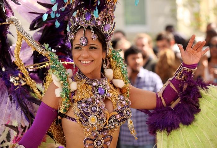 london_carnival_0 (700x477, 300Kb)