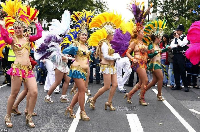 london_carnival_5 (700x461, 148Kb)