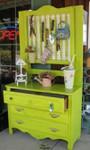 Превью Vintage-Dresser-Turned-Into-Potting-Shed (403x670, 89Kb)