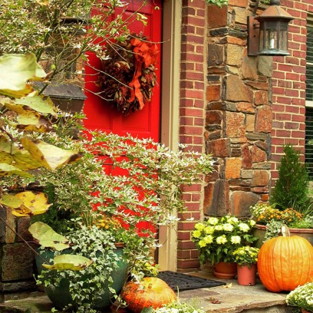 fall-front-porch-decorating-ideas-00011 (455x455, 108Kb)