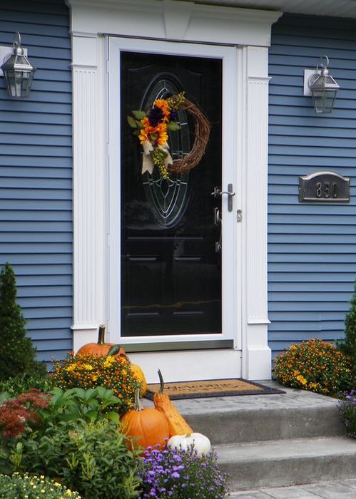 fall-front-porch-decorating-ideas-13 (499x700, 67Kb)