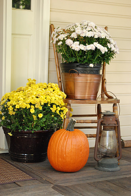 fall-front-porch-decorating-ideas-018 (430x640, 109Kb)