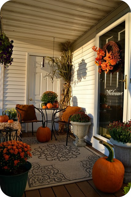 fall-front-porch-decorating-ideas-00041 (427x640, 95Kb)
