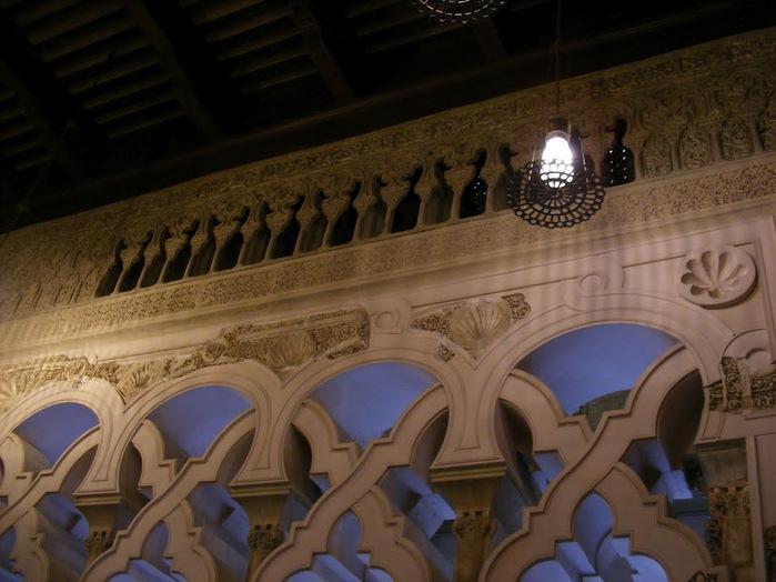Замок Альхаферия (Castillo de Aljaferia) - жемчужинa испанского исламского наследия 94464
