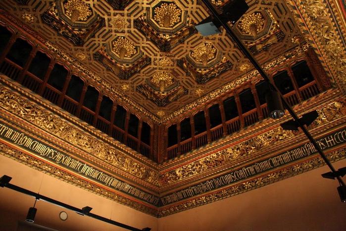 Замок Альхаферия (Castillo de Aljaferia) - жемчужинa испанского исламского наследия 64157