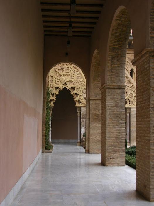 Замок Альхаферия (Castillo de Aljaferia) - жемчужинa испанского исламского наследия 58019