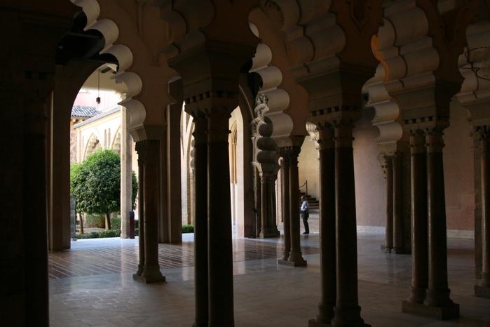 Замок Альхаферия (Castillo de Aljaferia) - жемчужинa испанского исламского наследия 95622