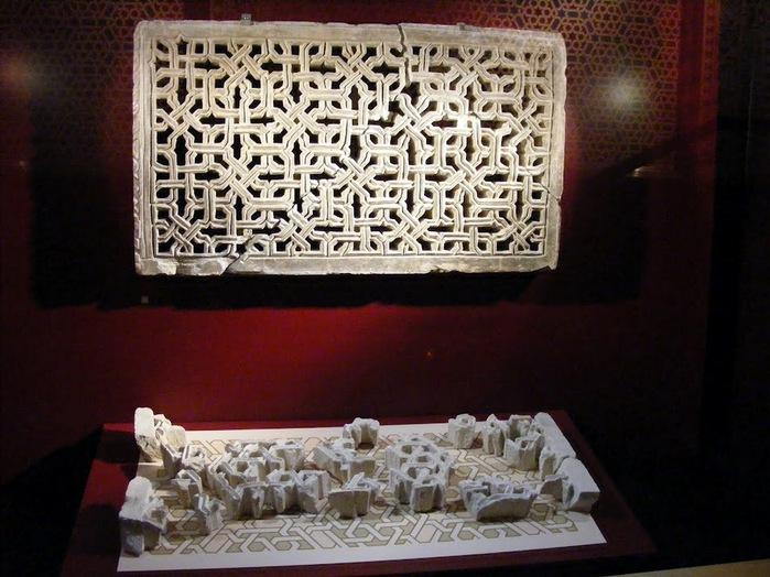Замок Альхаферия (Castillo de Aljaferia) - жемчужинa испанского исламского наследия 15372