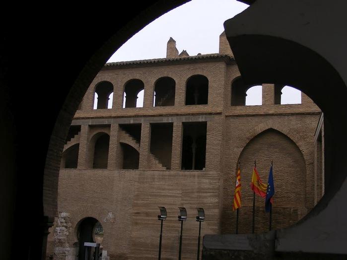 Замок Альхаферия (Castillo de Aljaferia) - жемчужинa испанского исламского наследия 57898